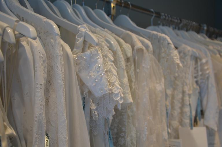 Laura Dols vintage bröllopsklänning Amsterdam