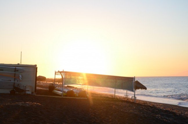 Strand Santorini soluppgång