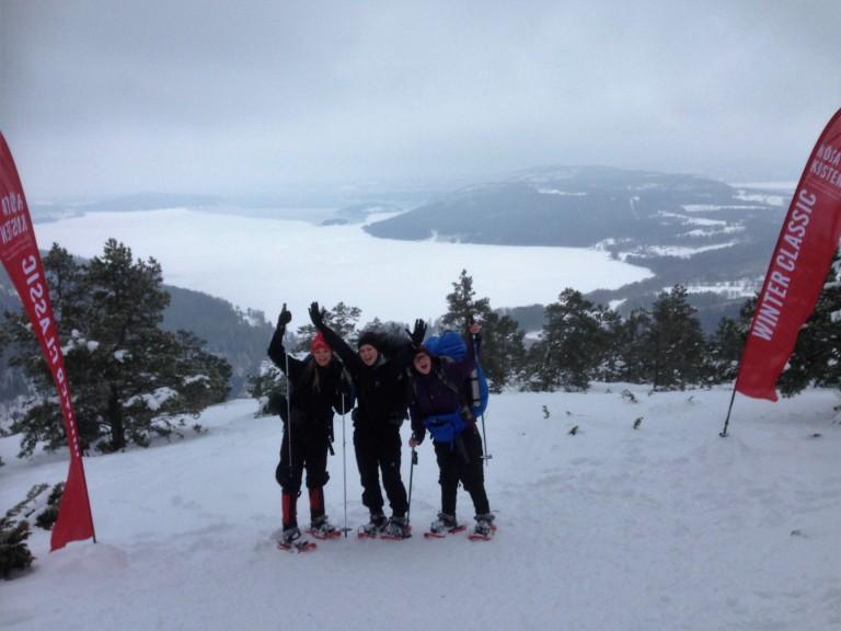 Ner kunde vi välja på att gå ned längs utsidan av slalombacken eller ta  liften c1b9d51f1e9ca